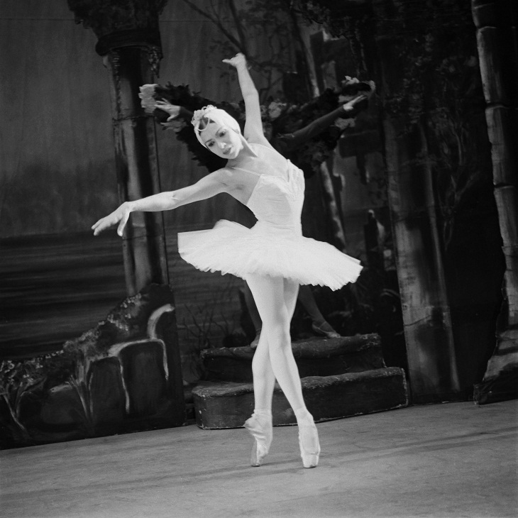 Sonia Arova in Swan Lake, 1962