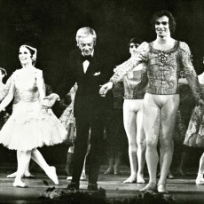 Lucette Aldous, Sir Robert Helpmann and Rudolf Nureyev in the curtain call for Raymonda, 1971
