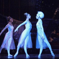Wills and Rowe in Sleeping Beauty 2005 photo Jim McFarlane_730-1