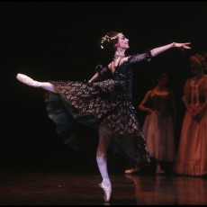Lynette Wills in Manon, 1994